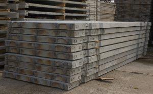 Sandėliuojamos betoninės plokštės